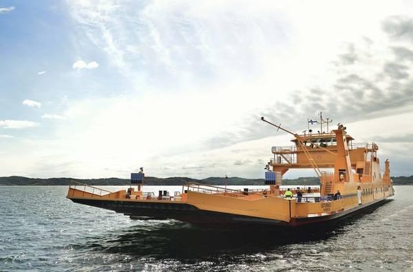 وقد خلص مشروع SUMMETH إلى أن وقود الميثانول يوفر فوائد بيئية فورية ومسارًا خالٍ من الكربون للعبارات والسفن الساحلية. (صورة فوتوغرافية: Truls Persson)