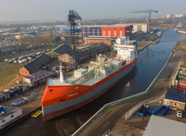 グローバルセメント船合弁事業におけるSMT出荷とCSLのチームアップ写真:CNW Group / CSL Group Inc.