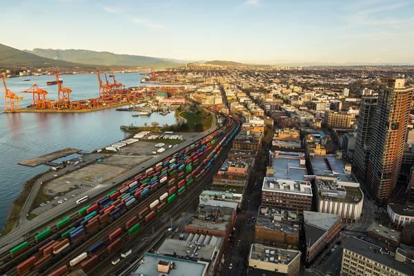 バンクーバー港/クレジット:AdobeStock /©Anne