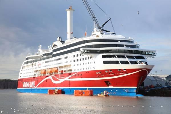乘客船Viking Grace(照片:Norsepower)上安装了一个马力转子风帆,