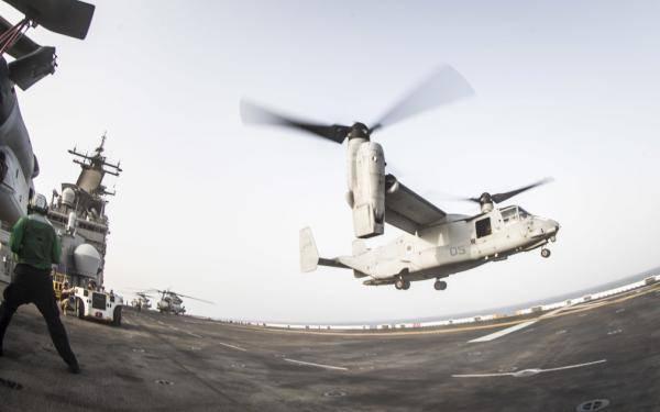 文件图片:USS Boxer上的飞行行动(信用证:USN)