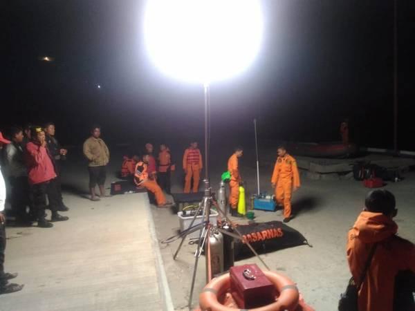 (الصورة: الوكالة الوطنية للبحث والإنقاذ ، جمهورية إندونيسيا)