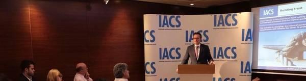 克努特Ørbeck-Nilssen对质量,现代化和透明度的承诺在IACS的工作和未来愿景中得到了广泛的反映。照片:DNV GL