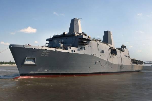 Die USS Somerset (LPD 25) wird 2012 von der Avondale Shipyard gestartet. Das Schiff wurde später endgültig zum Marineschiff, um im Februar 2014 von der Werft zu starten. (US Navy Foto mit freundlicher Genehmigung von Huntington Ingalls Industries)