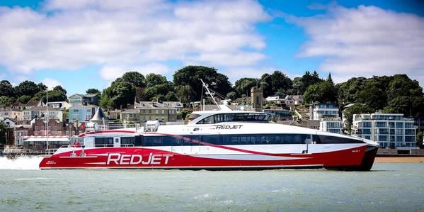 Foto: Roter Jet 7