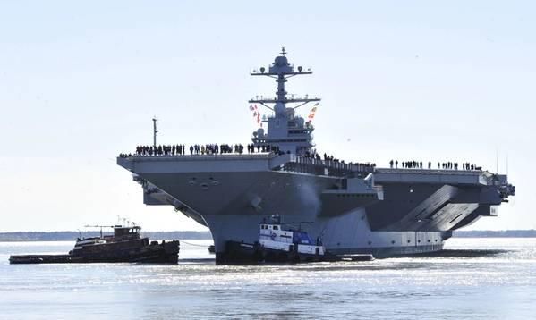 Gerald R. Ford (CVN 78) sale de Huntington Ingalls Industries Newport News Shipbuilding para pruebas de construcción en el mar en abril de 2017 (foto de la Marina de EE. UU. Por Christopher Delano)