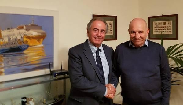 Giorgio Rizzo ، نائب الرئيس التنفيذي لشركة Fincantieri Services و Emanuele Grimaldi ، الرئيس التنفيذي لمجموعة Grimaldi. الصورة مجاملة Fincantieri