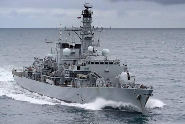 HMSサザーランド(英国海軍のファイル写真提供)