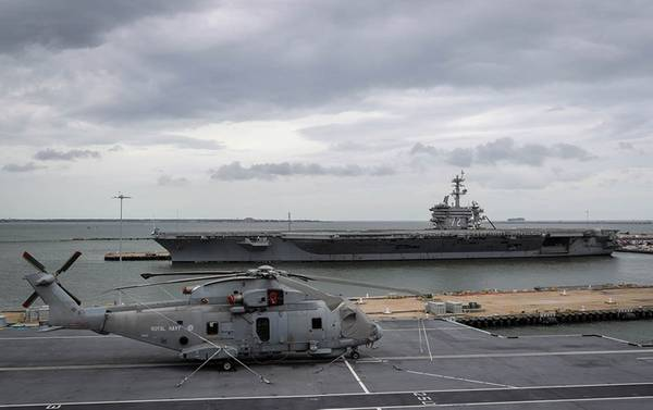 HMS Queen Elizabeth navega en Norfolk, Va. (Foto: UK Royal Navy)