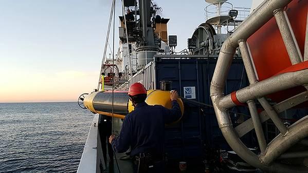 MUSCLE Autonomous Underwater Vehicle Deployment. Foto mit freundlicher Genehmigung von CMRE