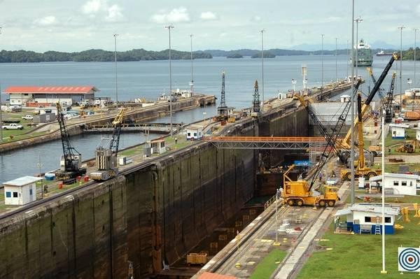 Pic:パナマ運河局