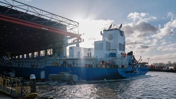 TSHD Ghasha é lançado no estaleiro da IHC em Kinderdijk, Holanda (Foto: Royal IHC)