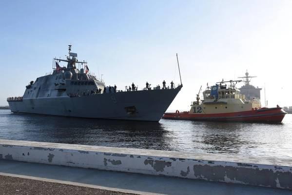 O USS Little Rock (LCS 9) chega ao seu porto em Mayport, na Flórida, em 12 de abril (Foto: Naval Station Mayport)
