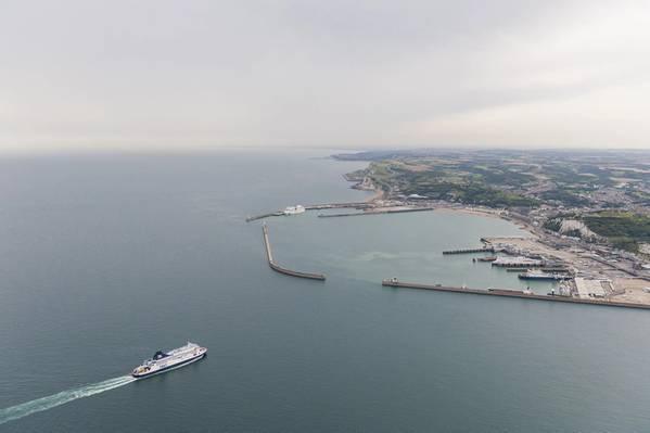 P&O Ferries: adicionando duas super-balsas de nova geração para operar em seu serviço de Dover-a-Calais. (Foto © Adobe Stock / Sebastian)
