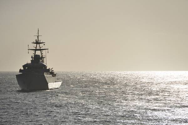 Un buque de guerra naval del Reino Unido en patrulla (Imagen de archivo / AdobeStock / © Peter Cripps)
