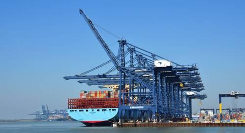 O setor marítimo do Reino Unido faz uma grande contribuição para a economia do país. (Foto © Adobe Stock / harlequin9)