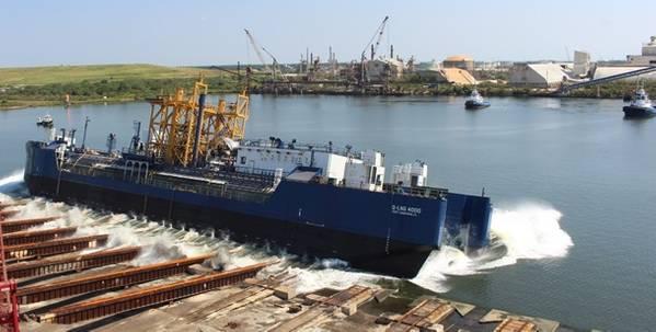 Бункерная баржа Q-LNG 4000 была запущена строителем VT Halter Marine (Фото: VT Halter Marine)