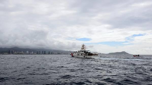 Джозеф Герчак является вторым из трех новых FRC в Гонолулу (фотография USCG Сарой Мьюир)