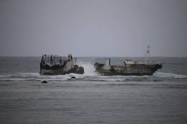 (الصورة: صورة خفر السواحل الأمريكي جون نغ)