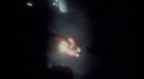 (لقطة من الولايات المتحدة خفر السواحل الفيديو)