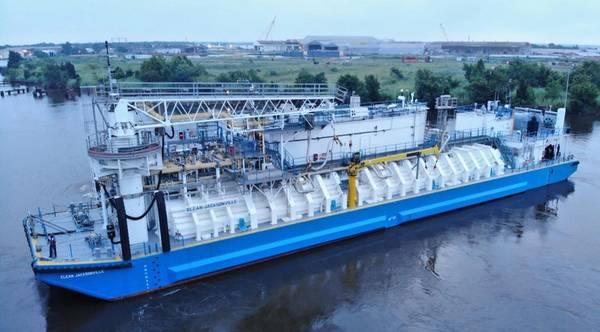 Clean Jacksonville es la primera barcaza de GNL construida en Norteamérica (Foto: Conrad Industries)