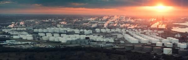 Luftaufnahme des Houston Refining Complex (KREDIT: AdobeStock / © Irina K)