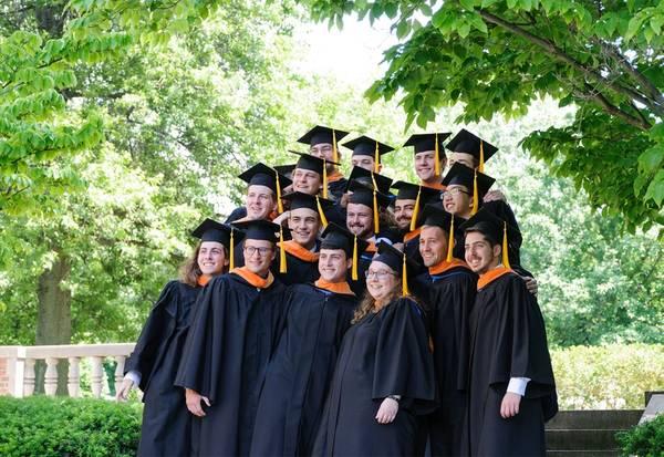 WEBB संस्थान की 2018 स्नातक कक्षा (क्रेडिट: WEBB संस्थान)