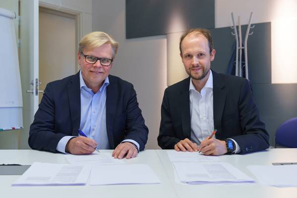 De izquierda a derecha: Jukka Rantala y Jan Meyer (Imagen: CADMATIC)