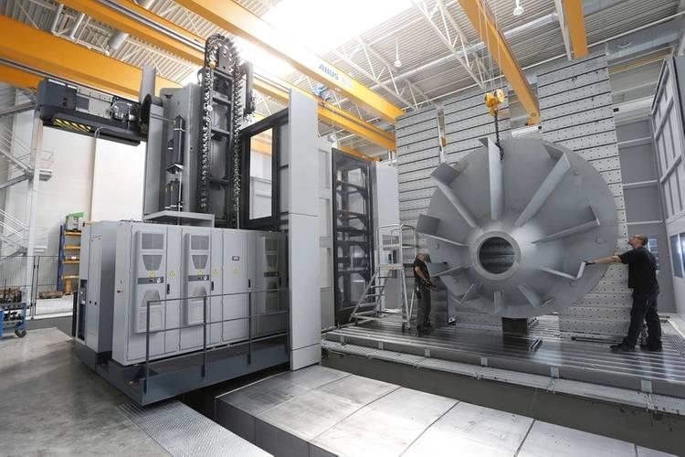 SCHOTTEL mechanical production facility; ©SCHOTTEL