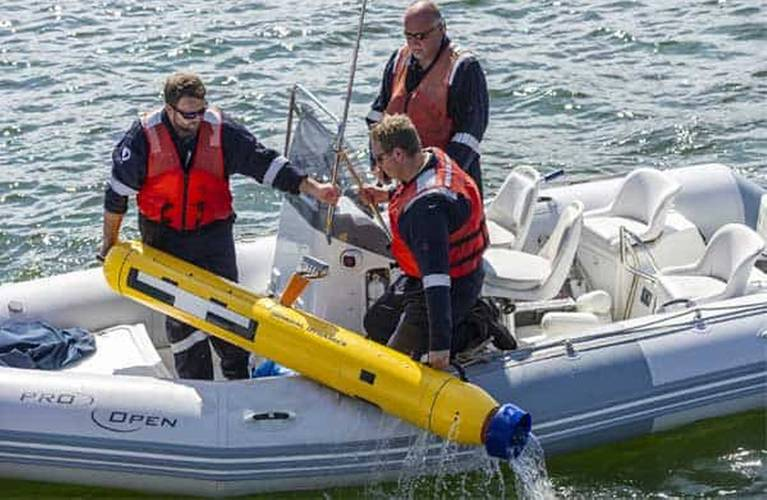 The Sonardyne Solstice multi-aperture sonar makes the two-man portable Bluefin-9 the most effective mine-hunting and hydrographic AUV of its class. (Sonardyne image)
