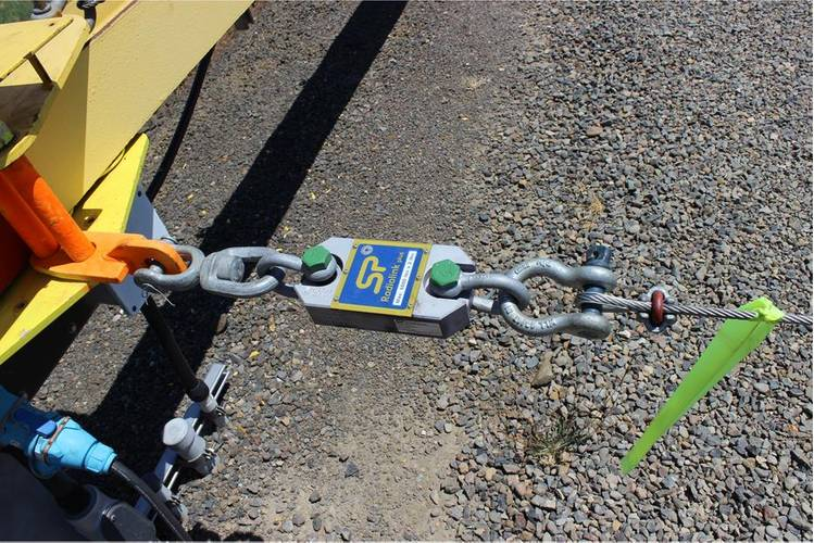 A 2.5-ton capacity SP Radiolink plus load cell measures tension on the line. (Photo: Straightpoint)