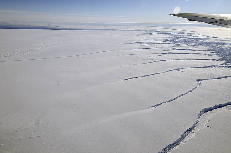A crack in the Pine Island Glacier ice shelf seen by NASA on Oct. 14 (Image Credit: NASA / Michael Studinger)