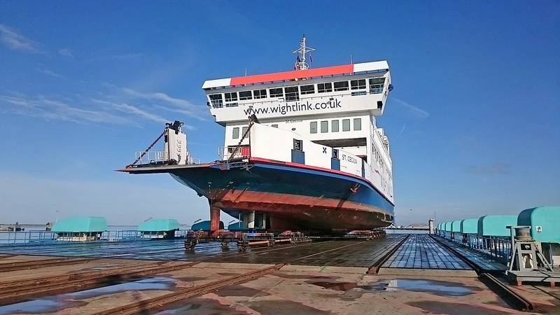 A new partnership between Burgess Marine and MMD Shipping Services Ltd, part of Portsmouth City Council, launched at Portsmouth Commercial Port with emergency work for Wightlink. (Photo: Burgess Marine Ltd.)
