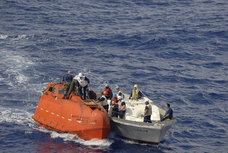A team from USS Boxer tows the lifeboat from the Maersk Alabama after the rescue of Capt. Richard Phillips who was held captive by Somali pirates in the Indian Ocean after a failed hijacking attempt off the Somali coast. (U.S. Navy photo by Jon Rasmussen)