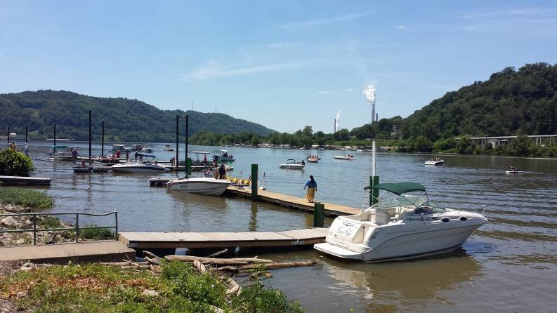 Activity in the Wellsburg area over the 4th of July weekend. (Photo courtesy of Merco Marine)