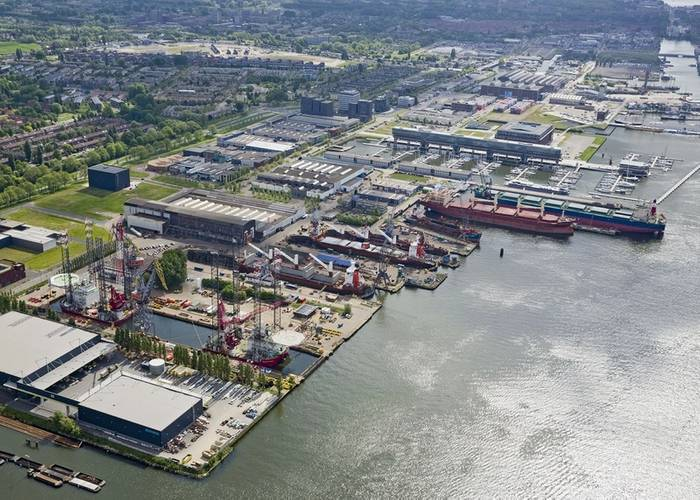 Aerial view of Shipdock Amsterdam. The Seajacks vessels are on the left. (Photo courtesy of Damen)