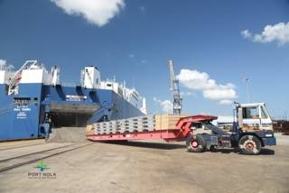 Aluminum is discharged from the Bahri Yanbu, a new state-of-the-art 26,000 DWT RoCon vessel, the first roll-on/roll-off cargo ship to call at the Port of New Orleans since 2005. (Credit: Port NOLA)