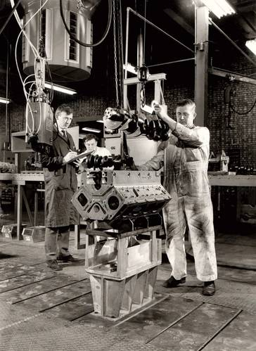 Assembling a Vee engine (Photo: Cummins Darlington)