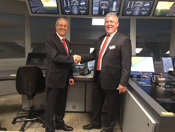 Capt. Hans Hederström, Managing Director of the CSMART and Frank Coles, Transas CEO at the CSMART / Arison Maritime Center Opening (Photo: Transas)