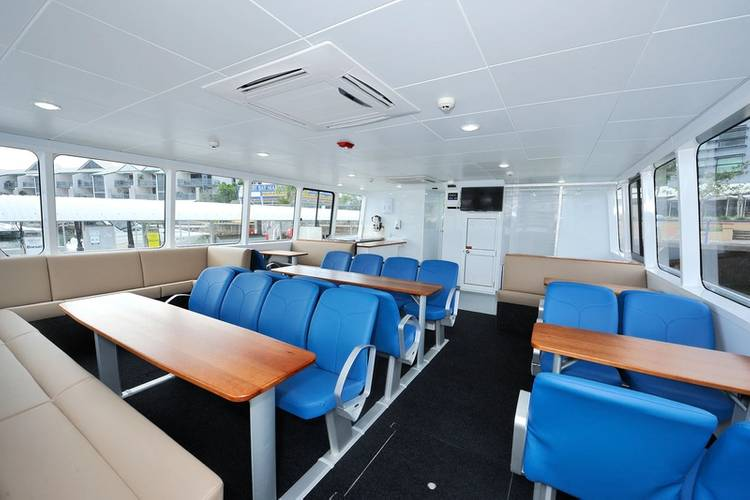 """Catamaran tour vessel claimed by its operator to be """"the cleanest tour vessel on the Great Barrier Reef"""""""