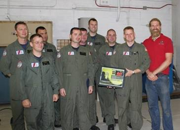 Clearwater, rescue crew and Jordan Hanssen (Photo: ACR)