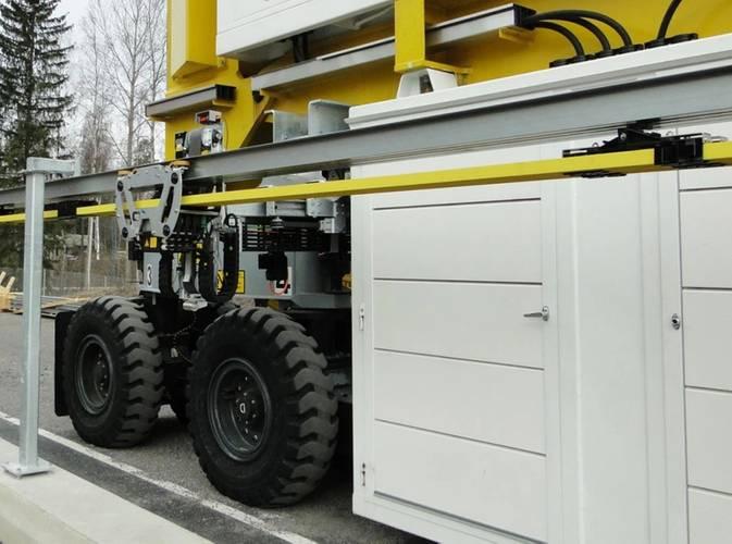 Electric RTG (e-RTG) with busbar. Photo courtesy Konecranes