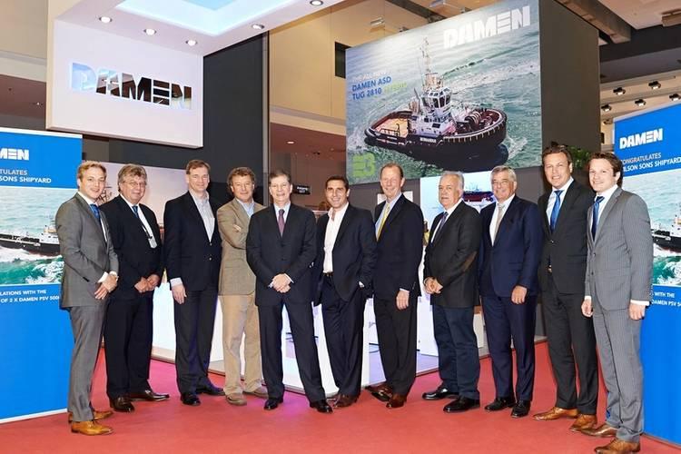 From left to right: Erik Hertel (Sales Manager Damen), Bram Verwijs (Project Manager Damen), Michael Schröder (CEO Ultratug), Federico Irrgang (President Wilson, Sons Ultratug), Arnaldo Calbucci (Vice-President Wilson, Sons), Martín Brau (CEO Antares Naviera), |René Berkvens (CEO Damen), Adalberto Souza  (Director Wilson Sons Shipyard), Frits van Drenth (Product Director Damen), Arnout Damen (COO Damen), Rutger Dolk (Sales Manager Damen) [Photo: Damen]