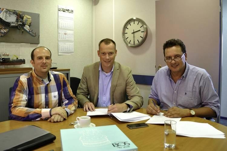 From left to right: Mark Koenes, ICT Manager, Acta Marine; Dennis Winterswijk, Manager Communication, IT & AV solutions, Alphatron Marine and Cor Visser, Operations Director, Acta Marine (Photo: Alphatron Marine)