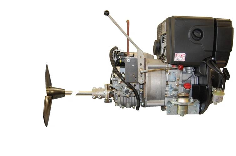 Hatz 1B50 equipped with transmission, shaft and propeller