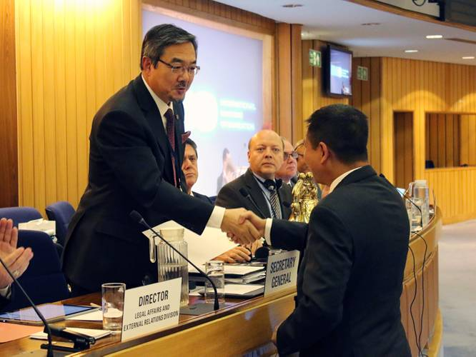 Indonesia's Minister of Transportation, H.E. Mr. Ignasius Jonan, who deposited the instrument of acceptance during the 29th session of the IMO Assembly (Photo: IMO)