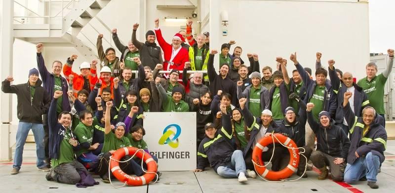 Job done – A happy team (Photo: SAL Heavy Lift)