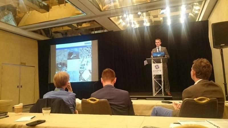 Klaas Slager during his presentation on dredge pump efficiency (Photo: Damen)
