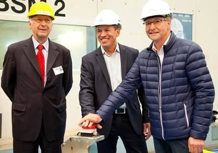 Left to right: Bernard Meyer, Andy Stuart and Christer Karlsson pressed the button to cut the first plate of steel for the Norwegian's next cruise ship (Photo: Norwegian Cruise Line)