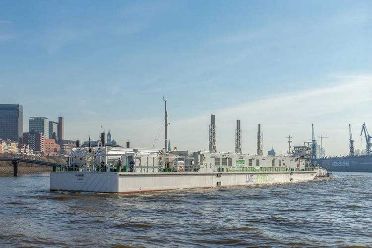LNG Hybrid Barge (Photo: Becker Marine Systems)